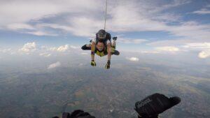 skoki na spadochronie kraków 182