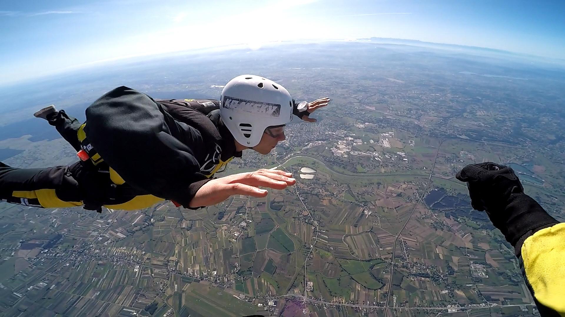 skoki na spadochronie kraków 208