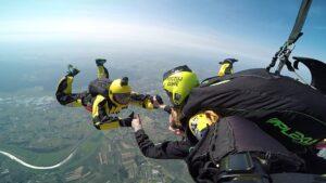 skoki na spadochronie kraków 166