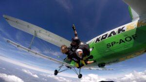 skoki na spadochronie kraków 90