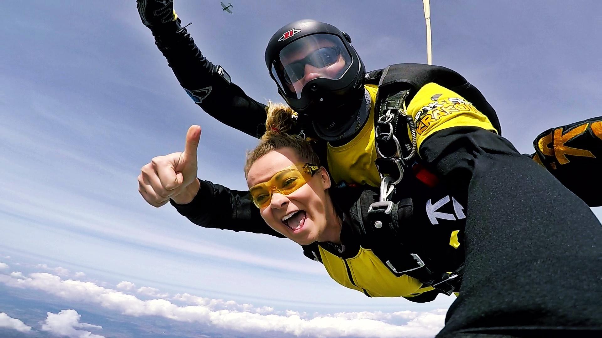 skoki na spadochronie w parze kraków 561