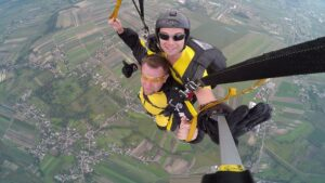 skoki na spadochronie kraków 172