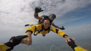 skoki na spadochronie kraków 153