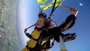 skoki na spadochronie kraków 77