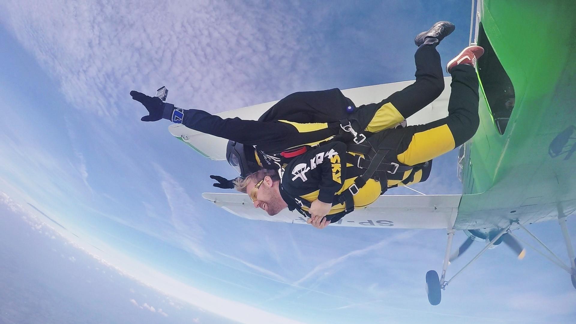 skoki spadochronowe kraków kraksy 17